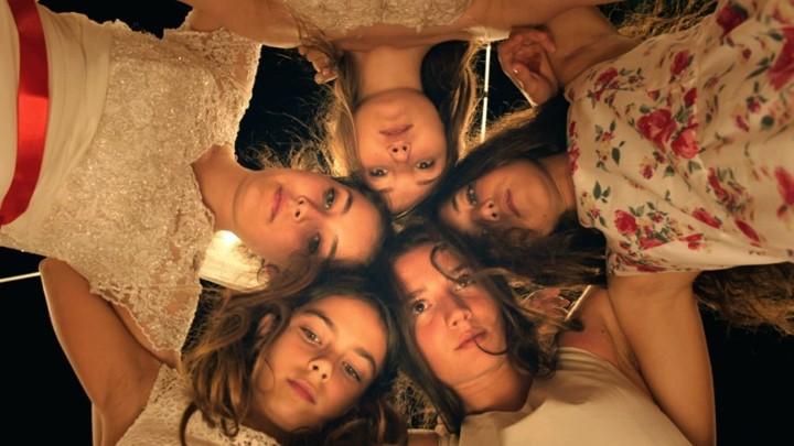 """O filme """"Cinco Graças"""" e a resistência feminina"""