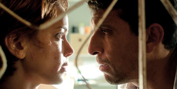 """""""O lobo atrás da porta"""" – um filme com uma realidade bem cruel"""