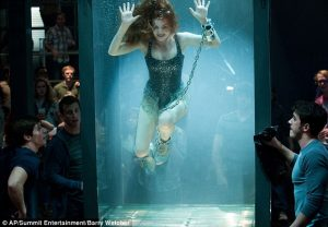 Isla Fisher quase se afogou em Truque de Mestre